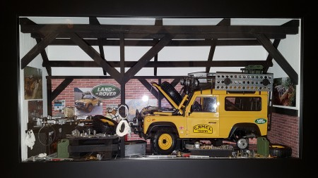 Car Display Box – Land Rover D90