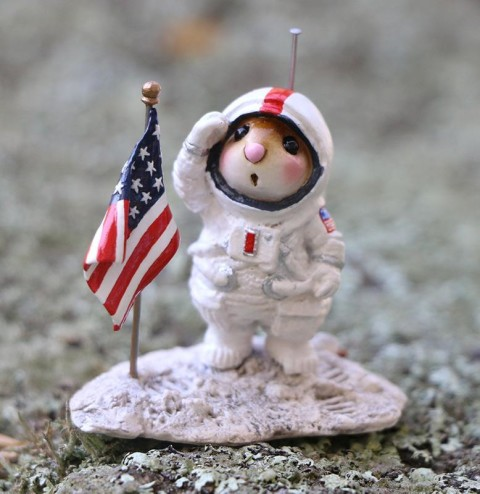 Moon Salute – LE