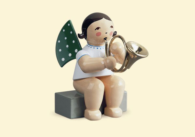 Angel With French Horn – Sitting