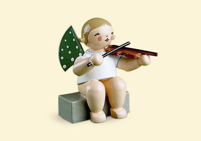 Angel With Violin – Sitting